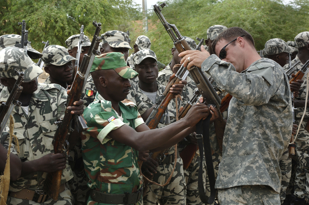 The United States Army helps inspect the Malian Army's weapons.
