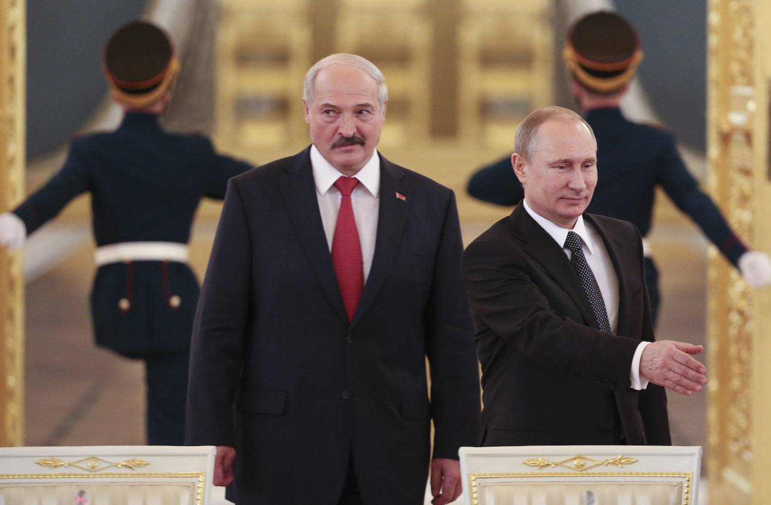 Will Putin Rescue Lukashenko from the Jaws of Death?